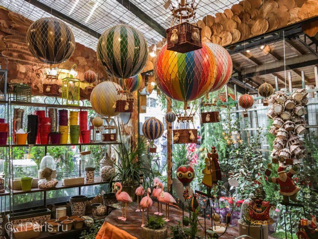 Воздушные шары и фигурки для сада