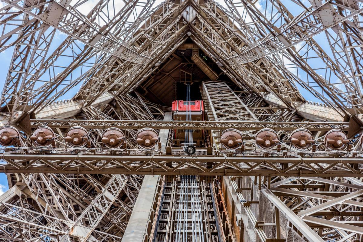 Как подняться наверх башни