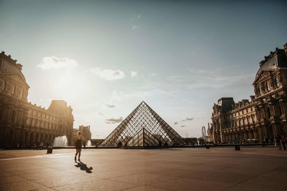 Лувр - самый известный музей в мире