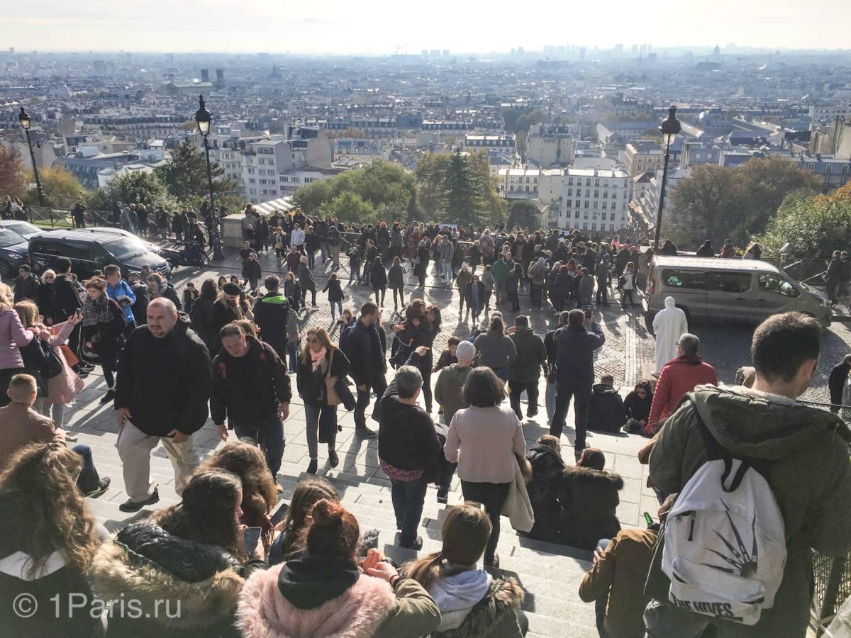 Панорамный вид на Париж со ступенек Сакре-Кёр