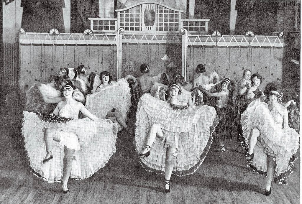 Танцовщицы канкана
