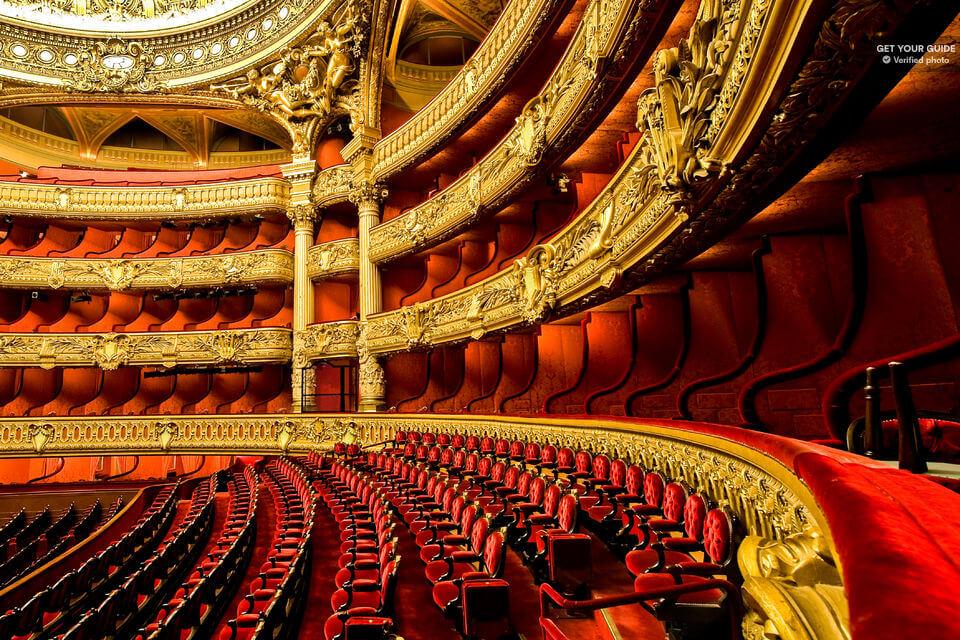 Боковые ложе в зале оперы